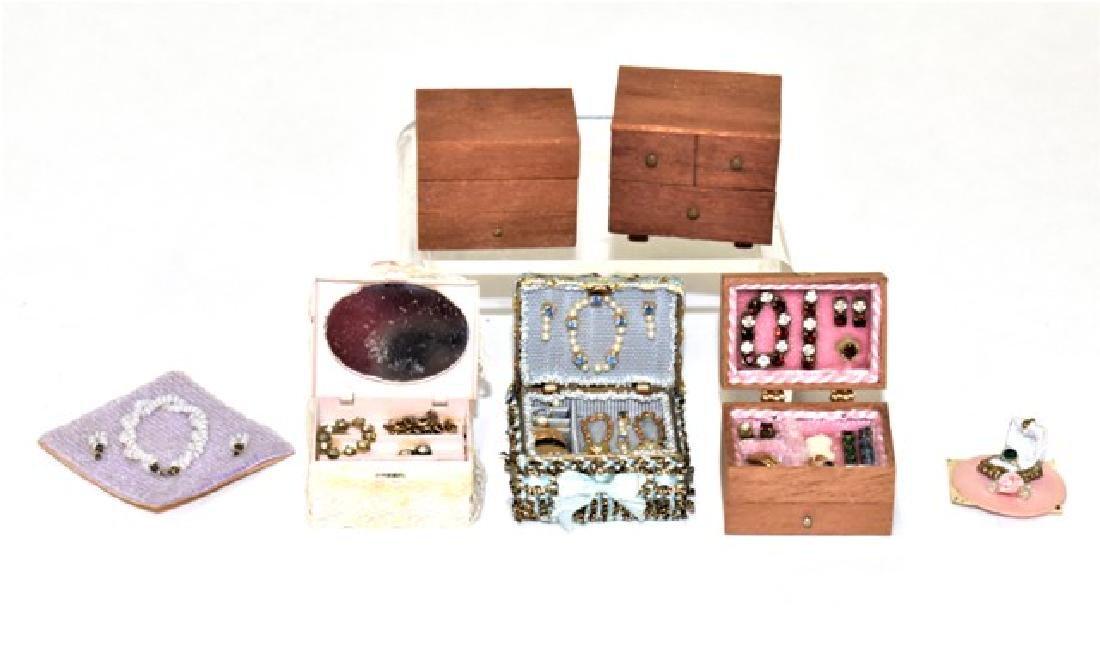 Dollhouse Miniature Lady's Jewelry Miniatures