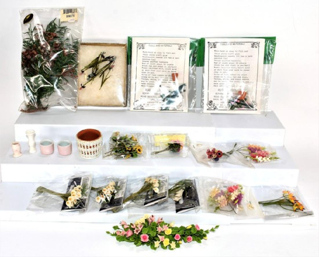 Large Group of Dollhouse Loose Flowers Miniatures