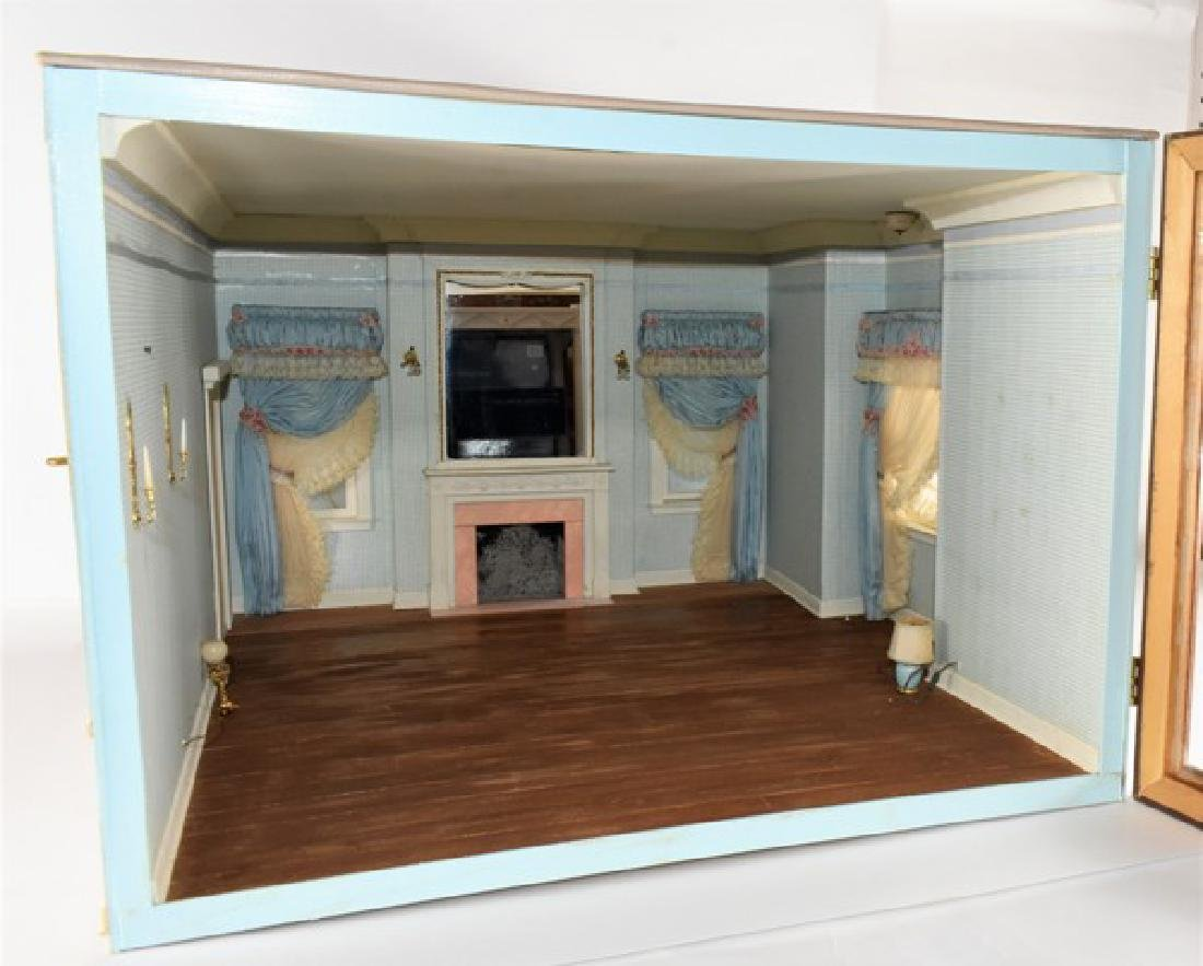 Georgian Bedroom Room Box Dollhouse - 2