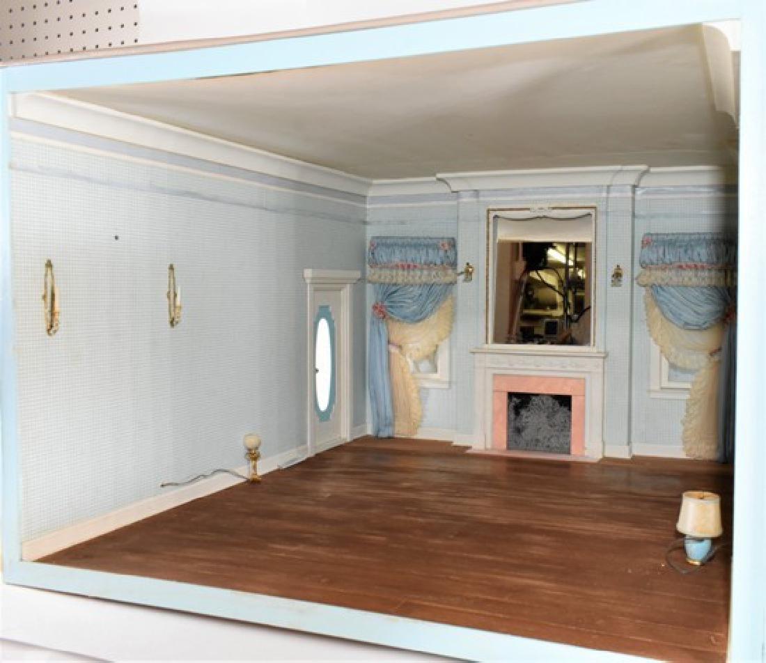 Georgian Bedroom Room Box Dollhouse - 3