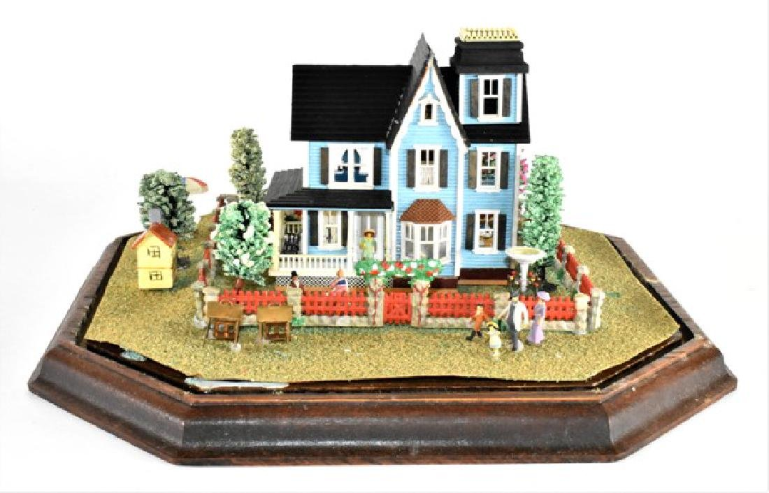 Tiny Dollhouse Diorama