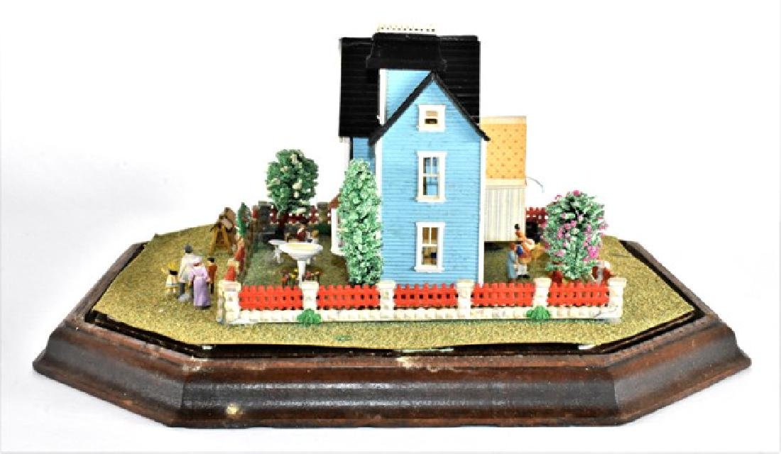 Tiny Dollhouse Diorama - 4