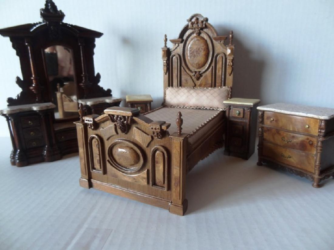 Joe Turner Lincoln Victorian Bedroom Set