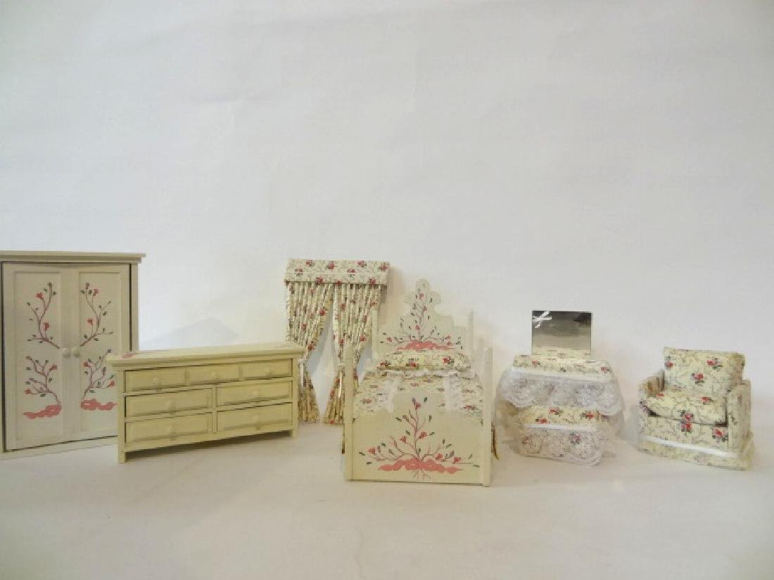 Pity Pat White Floral Dollhouse Bedroom Set