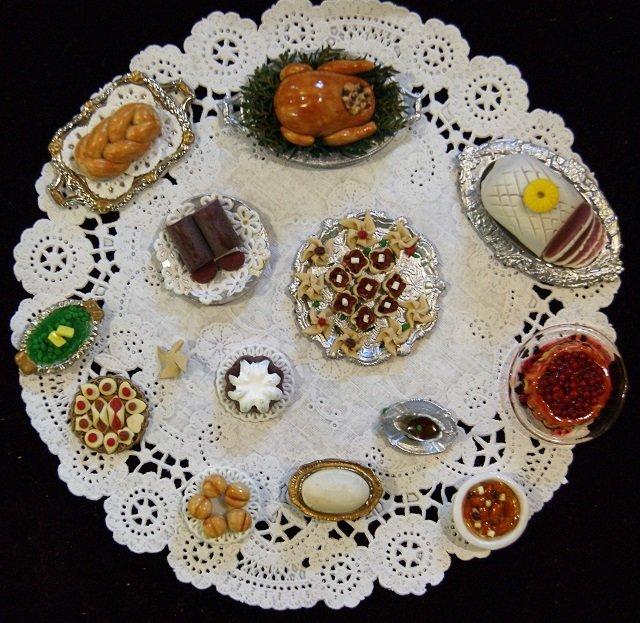 Elyce Christmas Dollhouse Dinner in Porcelain - 2