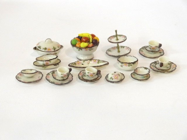Jo Parker Group of Dishes Dollhouse Miniatures - 2