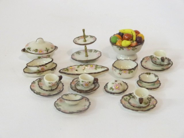 Jo Parker Group of Dishes Dollhouse Miniatures - 3