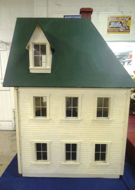 Large Victorian Style Dollhouse - 2