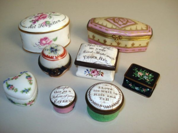 121: Porcelain Patch boxes