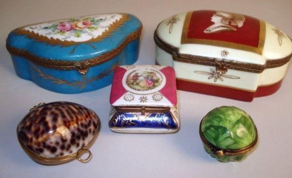 122: Porcelain Patch boxes