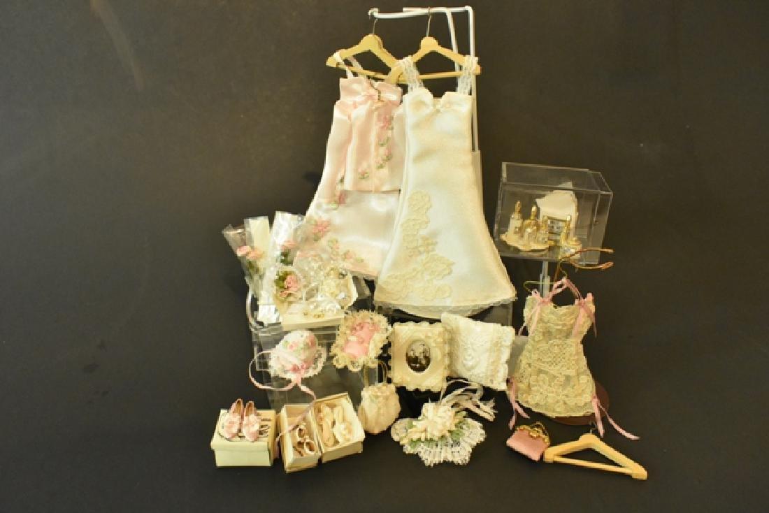 Dollhouse Doll Artisan Clothing Miniatures