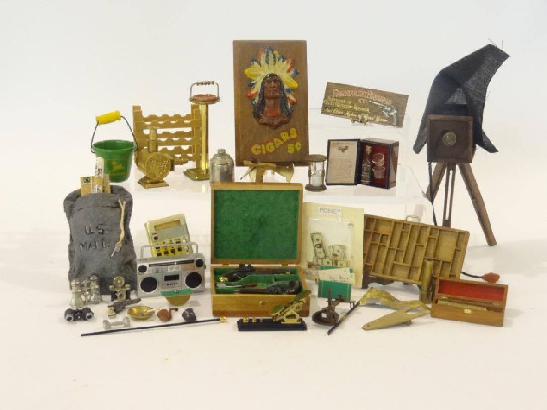 Dollhouse Men's Accessories Miniatures