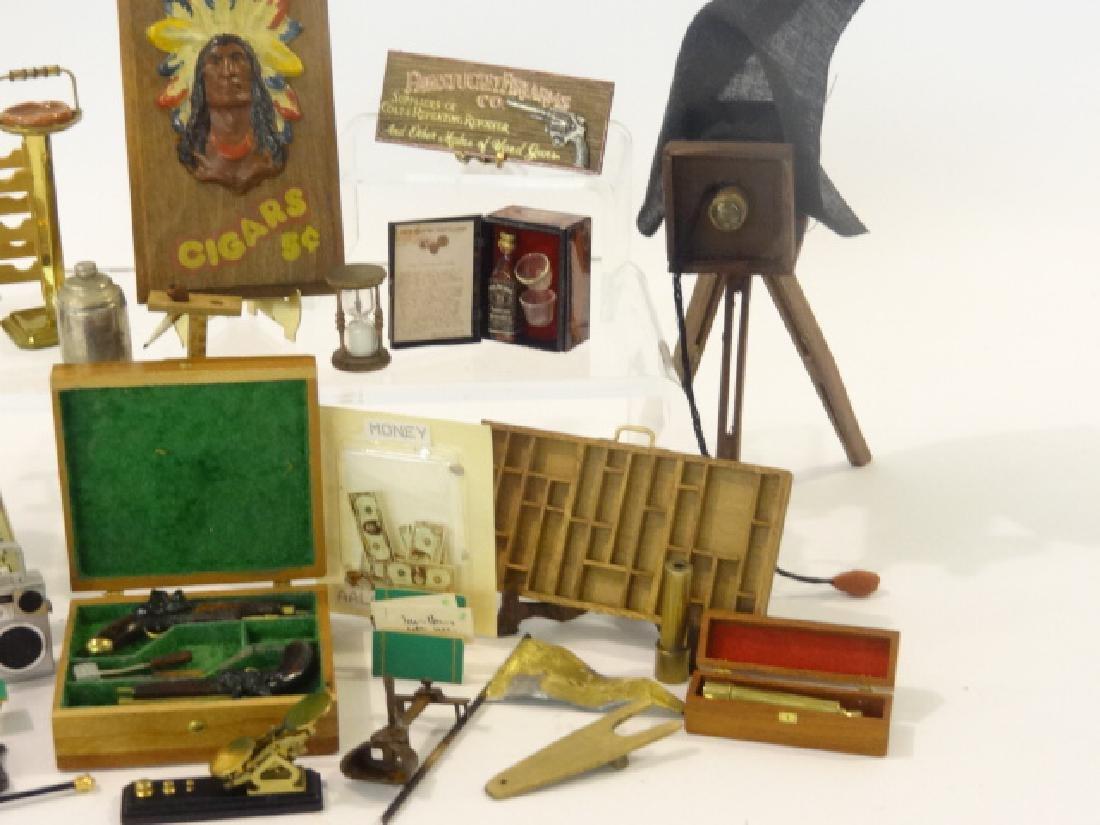 Dollhouse Men's Accessories Miniatures - 3