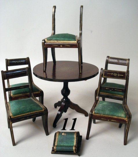 11: Biedermeier Table & Chairs