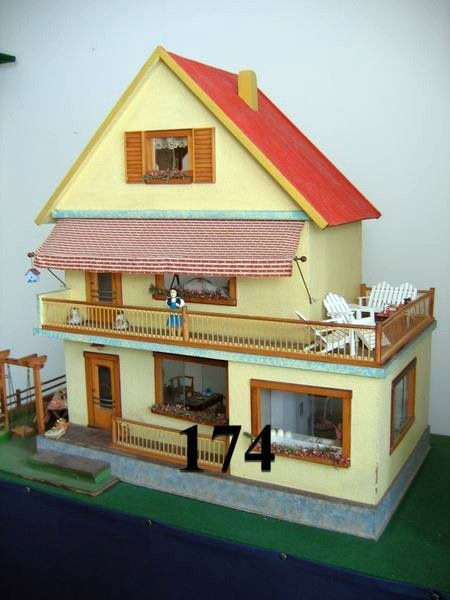 174: German Red Roof Dollhous, Circa 1956
