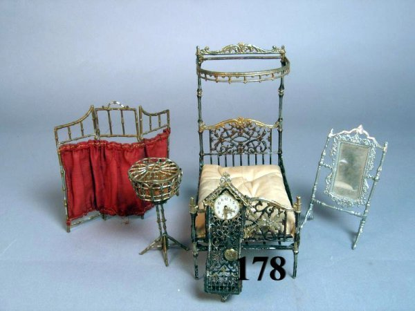 178: Vintage Dollhouse Soft Metal Furniture and Accesso