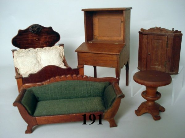 191: Large Scale Wooden Furniture