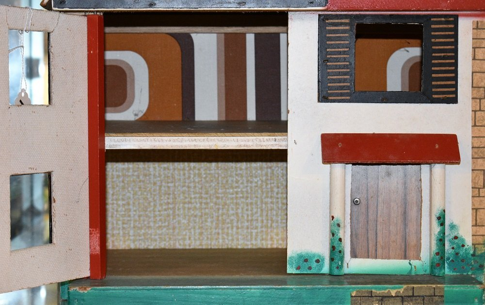 English Mid-Century Dollhouse & Stable - 3