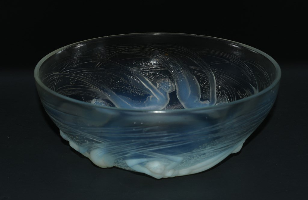"""Lalique """"Ondines"""" Nude Opalescent Bowl"""