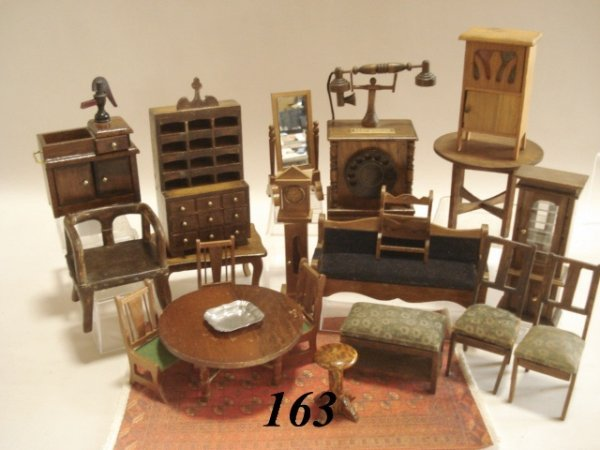 163: Dollhouse Furniture