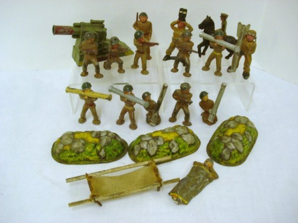 6024: Cast Iron Play Soldiers