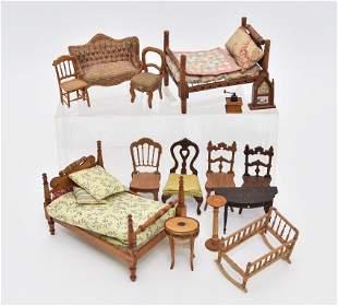 Cochran Beds & Other Vintage Dollhouse Furniture