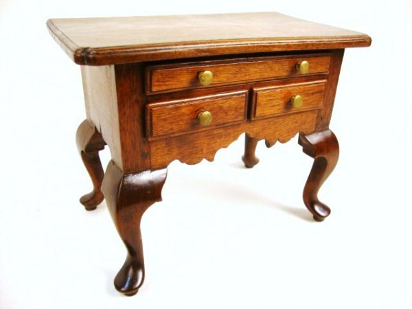 11: Walnut Queen Anne Dressing Table