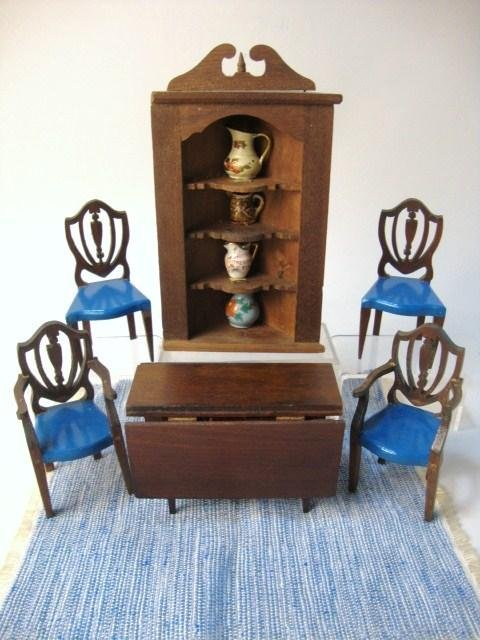 4: Tynietoy Drop-leaf Table, Chairs