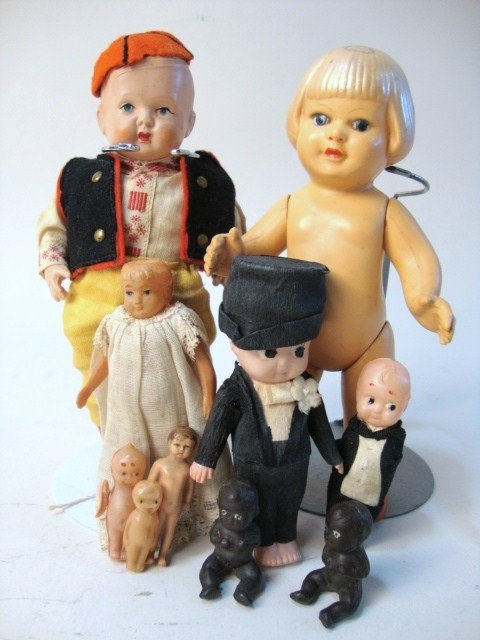 17: Lot of Ten Small Celluloid Dolls