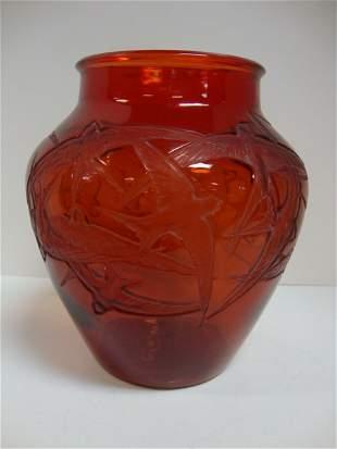 802:Lalique Hirondelles Vase circa 1919
