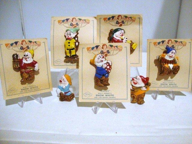 21: Snow White  7 Dwarf Pins