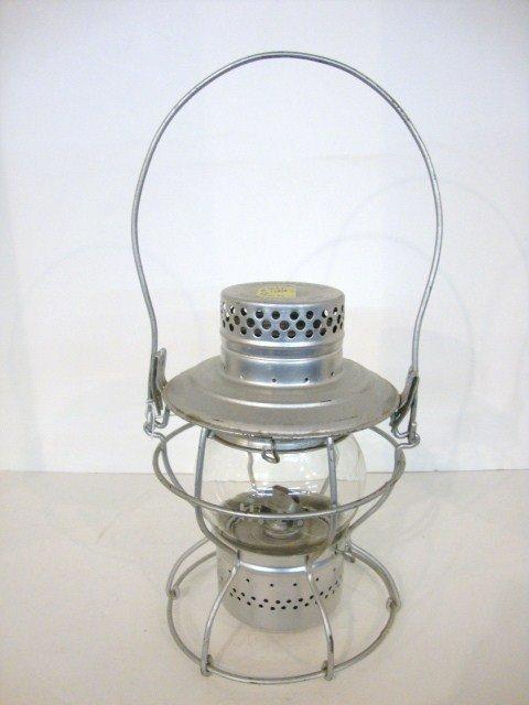24: Short Globe Wire Ring Bottom Lantern
