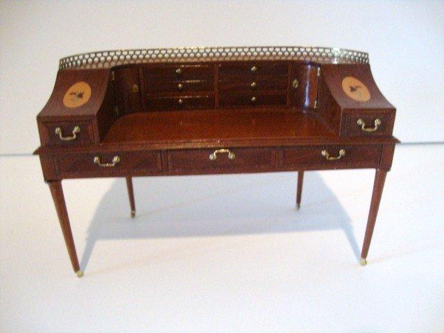19: Geoffrey Wonnacott Mahogany Carlton Desk