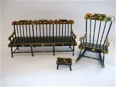 196: Pennsylvania Dutch Doll Furniture