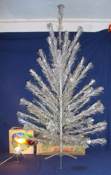 22: Silver Christmas Tree