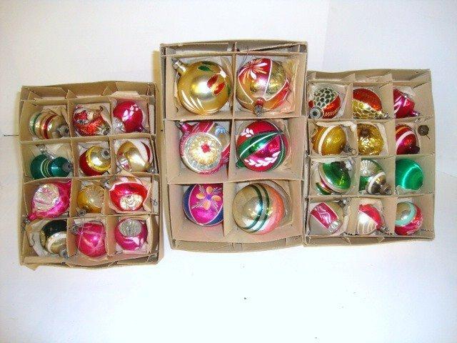 24: Vintage Christmas Balls