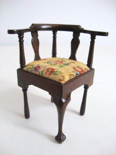 200: Eric Pearson Corner Chair