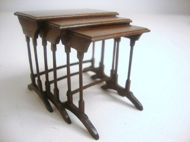 202: Eric Pearson Nesting Tables
