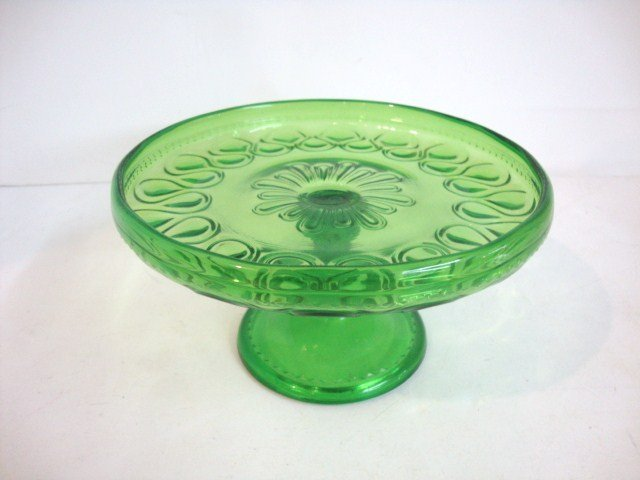 81: Child's Ribbon Cakestand in Green