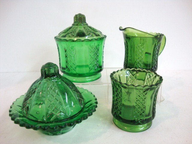 91: Child's Green Clear & Diamond Table Set