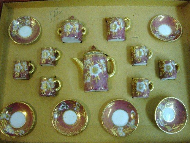 94: Doll-sized Tea Set