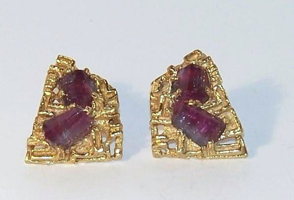 7: Arthur King 18K Cuff Links with Gem Stones