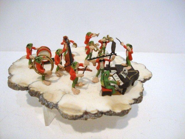 9: Miniature Vienna Bronze Frog Band