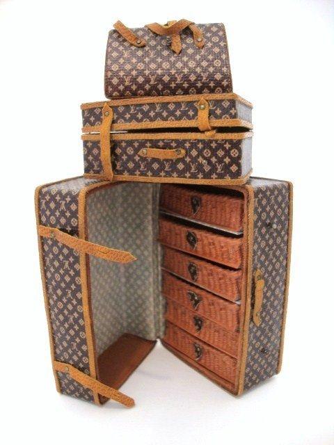 72: Pat Tyler Miniature Luggage