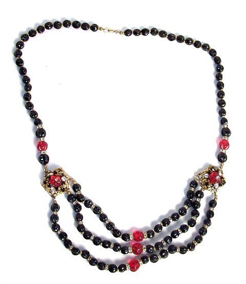 5: Miriam Haskell Red and Black Necklace