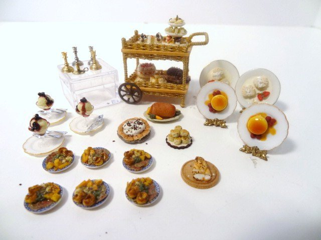 Half-scale English Kitchen Pastry Cart
