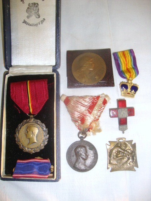 WWI European Bravery Medals, 7 pieces