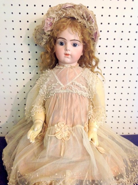 Bru Jne R Bebe - 27 1/2 inch  Doll - 7