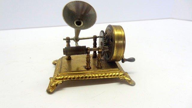 Ormolu Grammophone