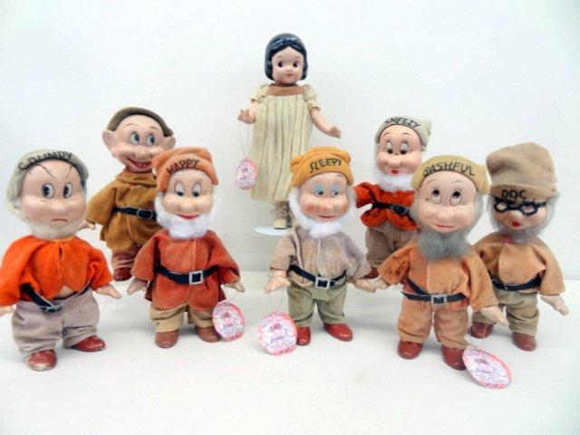 Knickerbocker Snow White and Seven Dwarfs Dolls